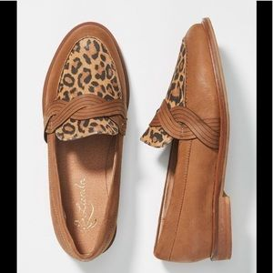 Liendo by Seychelles Twist Leopard Loafer